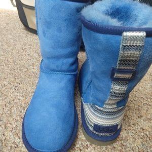 Blue Aztec Boho Size 6 short UGG boots- rare